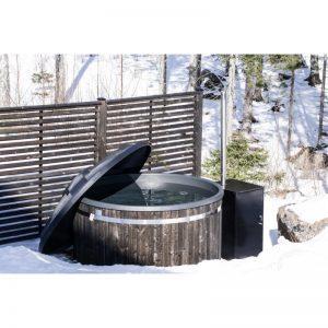 Hottia pähkinänruskea kylpytynnyri ja Hottia HT-20 Pro lämmitin